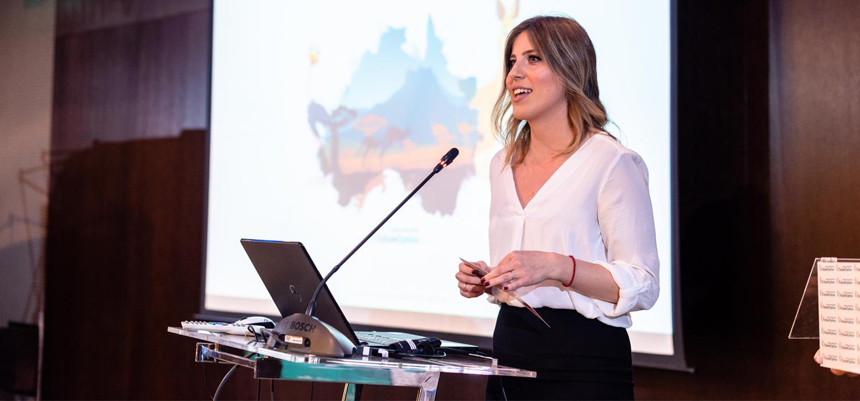 Agent Elena Simić - Studiranje u inostranstvu